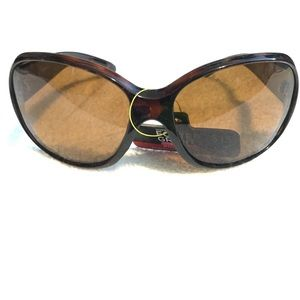Accessories - Women's oversized polarized sunglasses