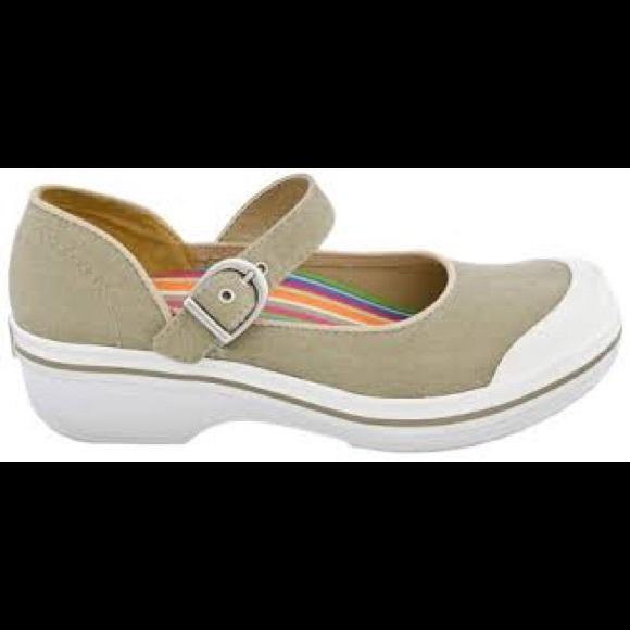 Dansko Shoes   Dansko Valerie Canvas