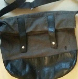 Brooklyn Industries  Handbags - Brooklyn Industries Canvas/Leather Messenger Bag