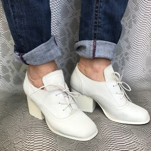 Cooperative Shoes - Cooperative white cow leather heeled