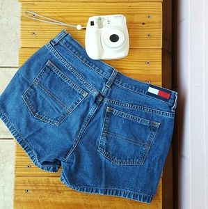 SIZE 5 TOMMY HILFIGER AUTHENTIC KELLY JEAN SHORTS