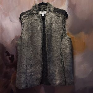 Sebby Tops - Faux fur and knitted vest