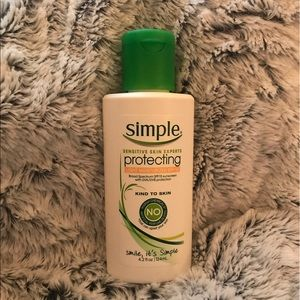 Simple Other - Light, protecting broad spectrum moisturizer