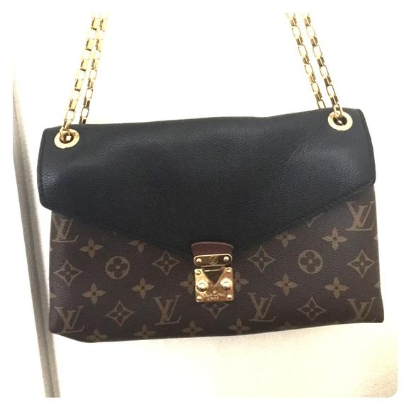 cc753db87 ... m94335 black; louis vuitton bag with gold chain strap m  591c4f0dfbf6f927b30024ec ...