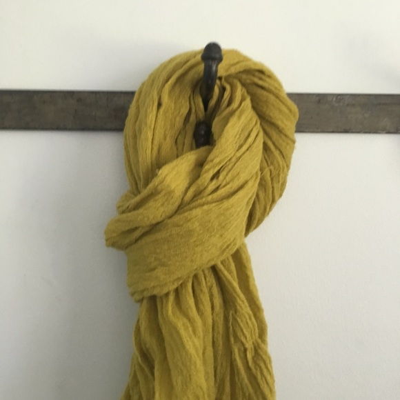 Accessories - Crinkly Wool Scarf