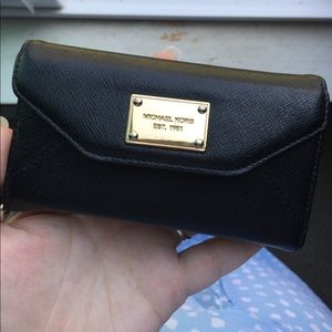 Michael Kors IPhone 5 case/wristlet