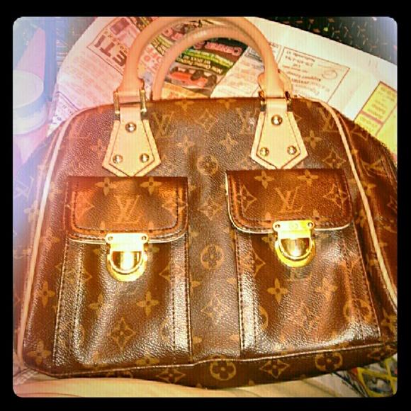 a860399ad25d LV Manhattan PM Brown Monogrammed Handbag. M 591c6f2b13302aac570075ed