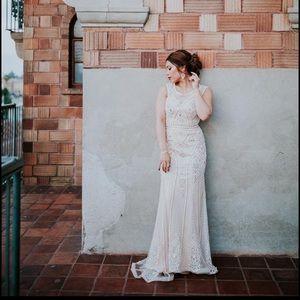 Dresses & Skirts - 👰🏻🤵🏻 Wedding season 😍