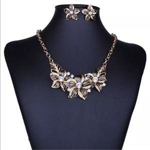 Jewelry - Floral necklace & earrings set NEW with tags