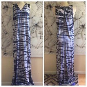 Velvet Dresses & Skirts - Velvet Brand Shibori Tie Dye Maxi Dress M