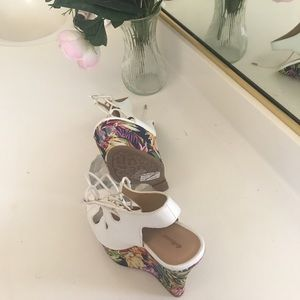 Domino Dollhouse Shoes - Wedge summer weAr FlorAl!!😘🎀💐