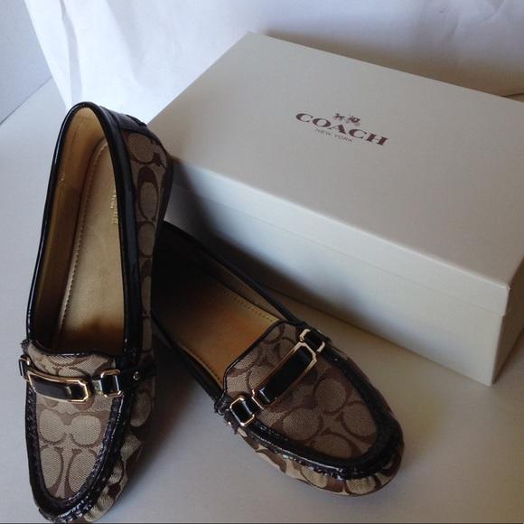 3c56b756351 Coach Shoes - SALE❤Coach Womens Flynn Sig Loafers Khaki Chestnut