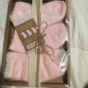 Baby Aspen Other - Baby Aspen Cozy Toe Chenille Socks
