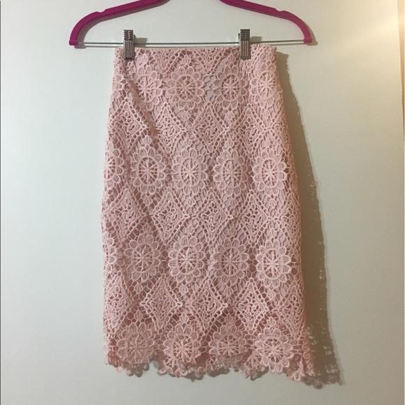 Lulu's Skirts - ***PRICE REDUCED *** Lulus Pink Skirt.