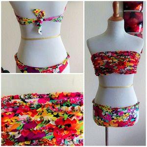 Boutique Other - Retro Hawaiian 2 Piece Ruffle Swimsuit