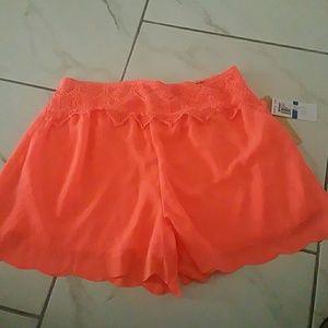 Takara Pants - Takara scallop bottom shorts