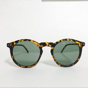 Accessories - Pantos Tortoise Frame Sunglasses