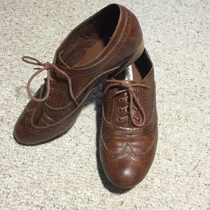 Not Rated Shoes - Size 10 brown leather saddle shoes