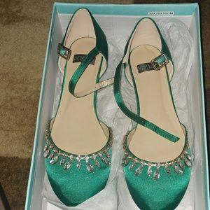 N.Y.L.A. Shoes - STUNNING Emerald Green Heels