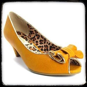 B.A.I.T. Footwear Shoes - Rockabilly Pinup Peep-Toe Pumps