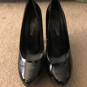 Cathy Jean Shoes - Blk patent leather heels size 7