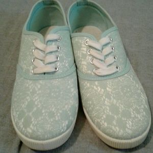 Lace H&M sneakers