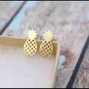 Jewelry - 🍍HP 🍍pineapple gold plated earring new