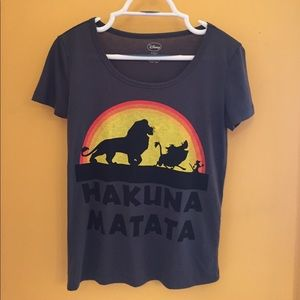 Hakuna Matata tee.
