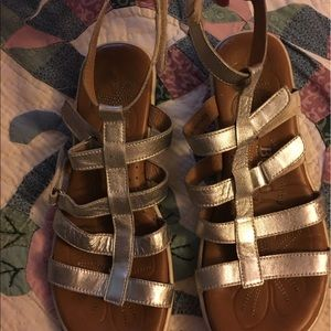 Born Shoes - Born leather sandals size 7