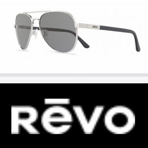NWOT Revo Polarized Raconteur Aviators