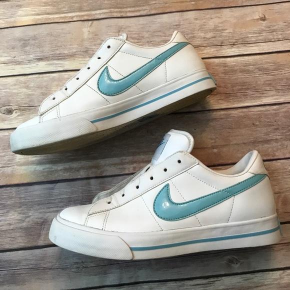 nike tennis shoes blue swoosh