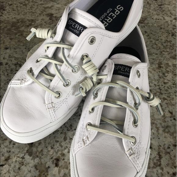 Sperrys Womens Seacoast Leather Sneaker