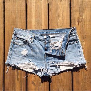 Levi's Pants - Levi shorts 501 size w27