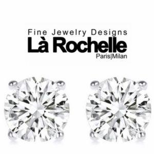 Jewelry - Beautiful Silver Studs