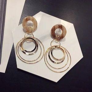 17basics Jewelry - 🌸SPRING SALE🌸17Basics CLOVER hoop earrings