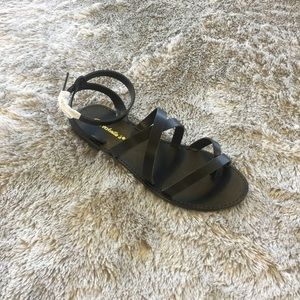Under Wraps Sandal - Black