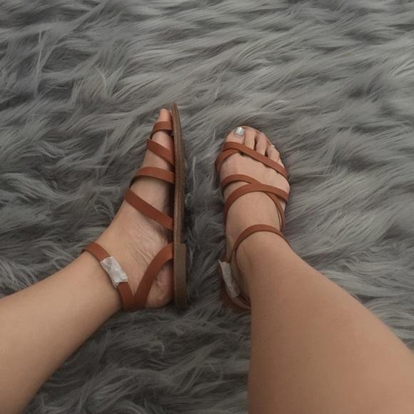 Shoes - Under Wraps Sandal - Tan