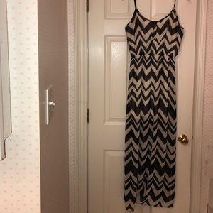 Francesca's Collections Dresses & Skirts - Chevron maxi dress