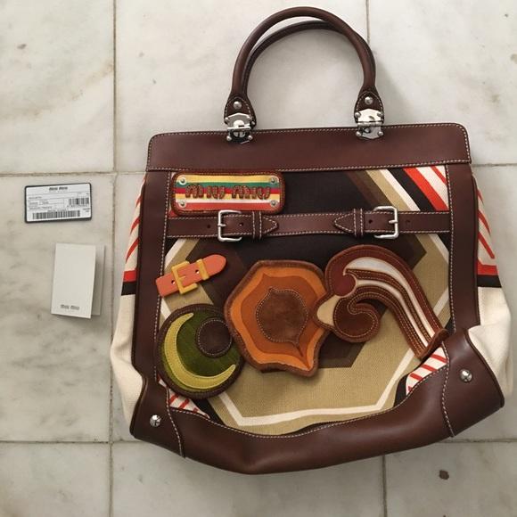 7d9ca2efd052 Miu Miu Vintage Handbag. M 591cdce84e95a340e8006a84