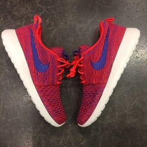 Nike Shoes - 🔥🔥 SALE 🔥🔥 Women's Roshe One Flyknit