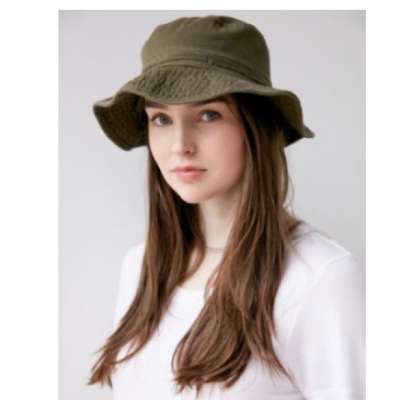 a4a6b4e21d0 Washed Canvas Fishing Bucket Hat. M 591ce5c16a5830a4f7008c0a