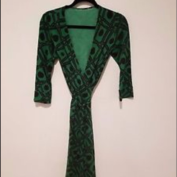 0819a6bae9a0 Diane von Furstenberg Dresses   Skirts - Diane Von Furstenberg Vintage  Julian Wrap Dress