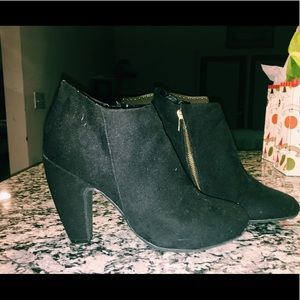 Shoes - 🔑 Mossimo Target Heeled Boots
