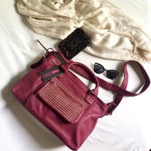 ✨NWT Pink Cosmo Wine Handbag with Gold Studs ✨