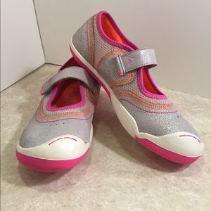 PLAE Other - Place Emme Suede Silver shimmer pink Velcro shoes