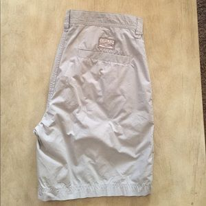 Columbia Other - Men's Columbia Shorts. Size 34. Color: Light Grey