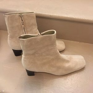"Aj Valenci Shoes - Nice cream leather short boots booties zip 2"" heel"