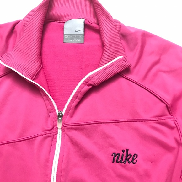 68 off nike tops nike pink 1 2 zip pullover tech top from dina suggested user 39 s closet. Black Bedroom Furniture Sets. Home Design Ideas