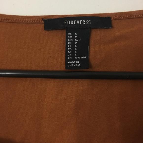 Forever 21 Tops - Tie Up Crop Top