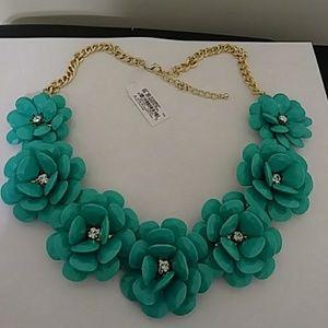 Anna & Ava Jewelry - Aqua Necklace🌼🌸🌼🌸